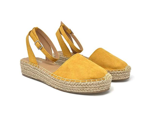 8dda6d9448338 15 Pretty Women's Closed-Toe Sandals On Amazon That Look-High End ...