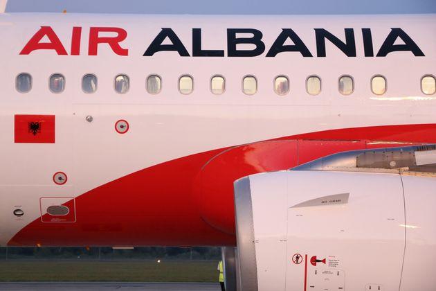 Ληστεία σε αεροπλάνο στο αεροδρόμιο των Τιράνων. Nεκρός ο ένας