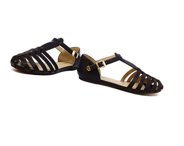 06efa23831154 15 Pretty Women's Closed-Toe Sandals On Amazon That Look-High End ...