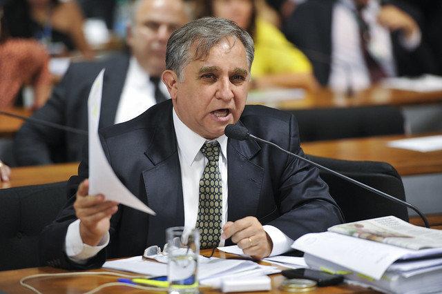 Izalci Lucas é autor do projeto da Escola sem Partido na Câmara dos Deputados, foi presidente...