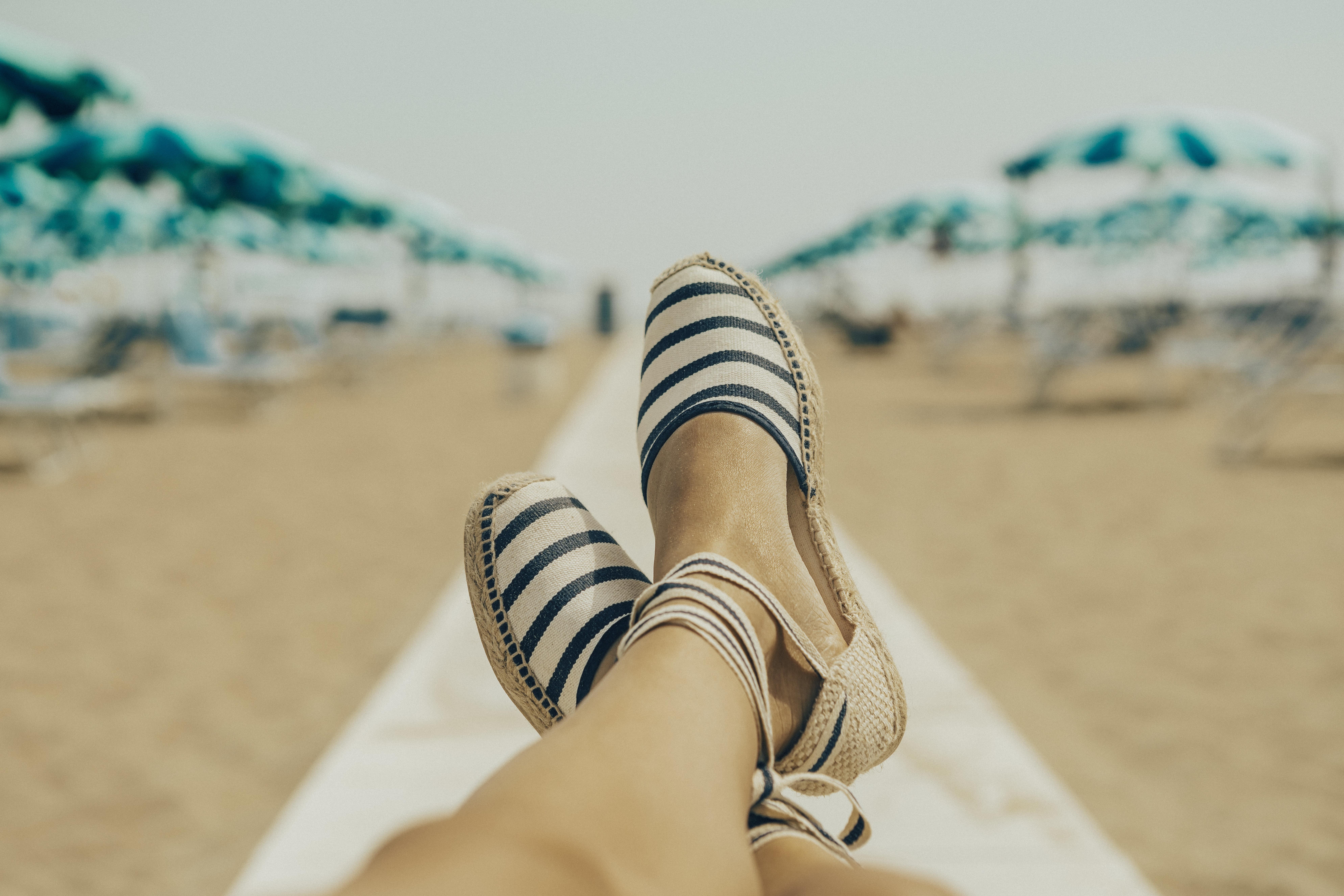 inexpensive women's sandals