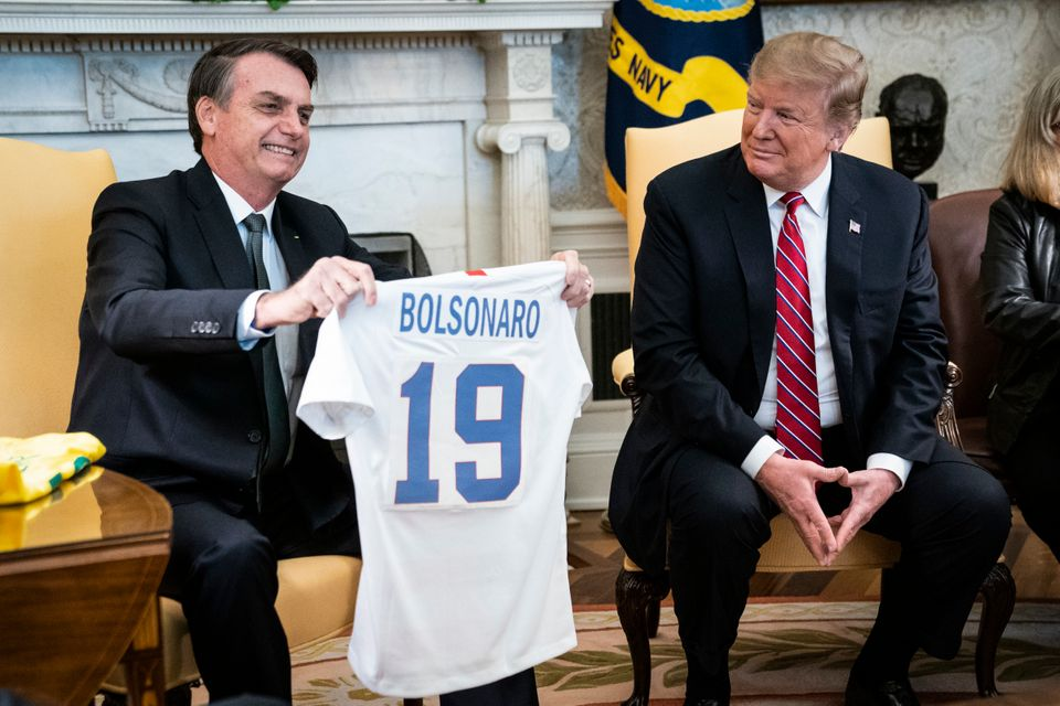 Nos Estados Unidos, avisita a Donald Trumpfoi marcada por simbolismos e criticada do ponto...