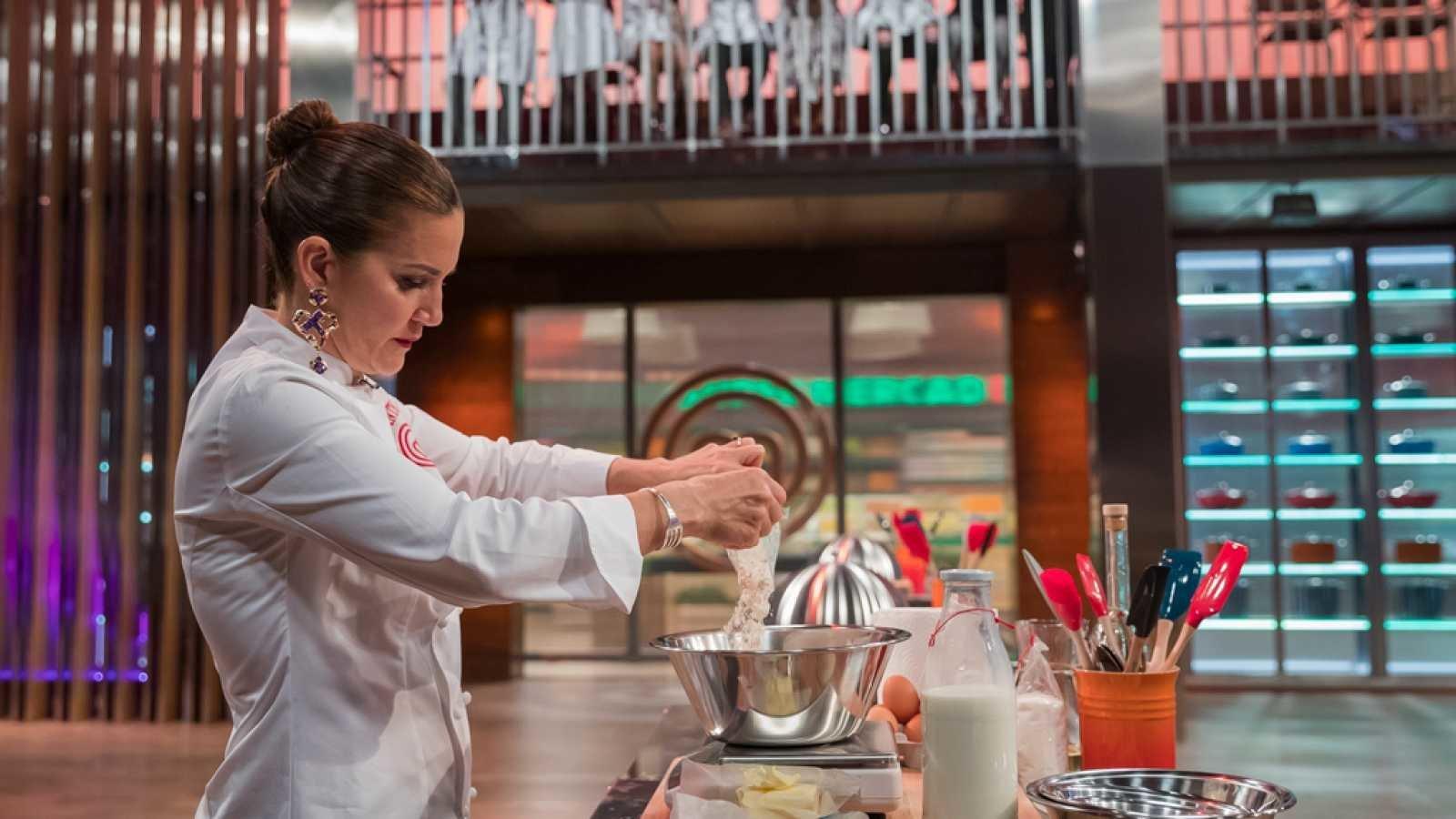 Samantha cocina por primera vez en 'Masterchef' y lo que hace desata multitud de