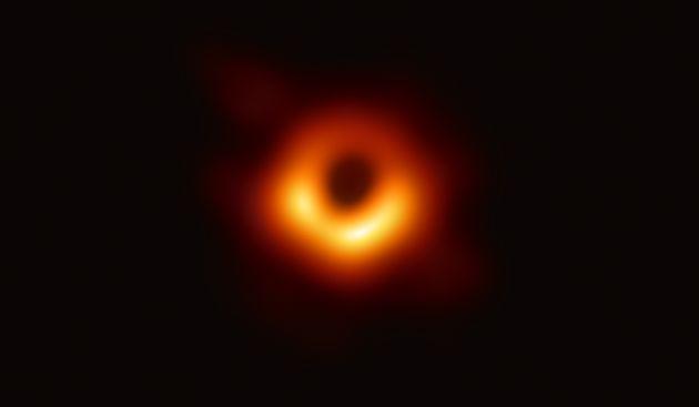 최초 관측된 블랙홀