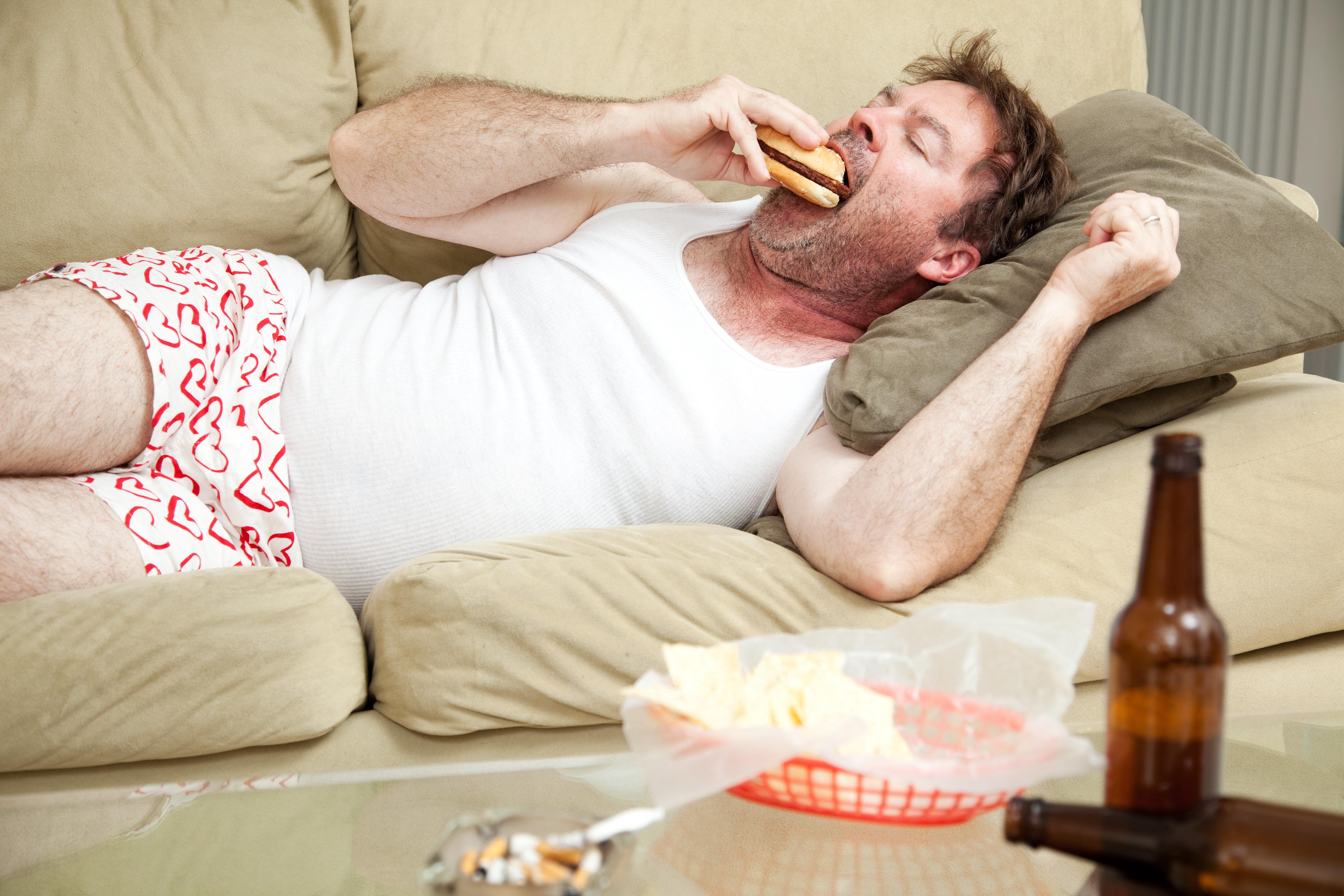 Cientistas descobrem por que você sente tanta fome quando bebe