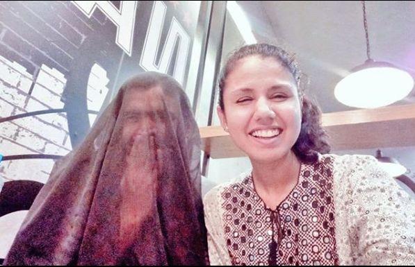 Πακισταν: Εντυσε τον άνδρα της με μπούρκα και πυροδότησε θύελλα