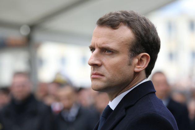 Caramels, bonbons et chocolats, le masque de Macron est tombé en