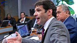 Ministro do Turismo promete provar inocência sobre candidaturas laranja do