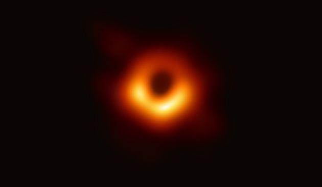 EHTで撮影したM87中心ブラックホールの画像