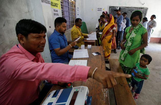 Εκλογές σε επτά φάσεις στην Ινδία με φαβορί τον Ναρέντρα
