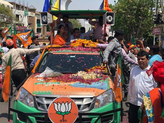 Gadkari told BJP supportersto go to 100 families who don't support the party and convince...