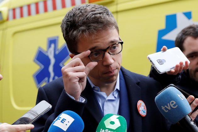 El 'recadito' de Errejón a Casado que triunfa en Twitter tras afirmar que bajaría el salario