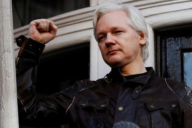 Detenido Julian Assange tras permanecer siete años en la embajada de Ecuador en
