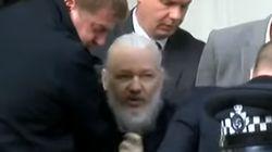 Julian Assange arrêté par la police britannique dans l'ambassade