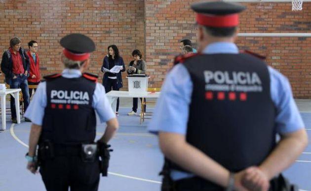 Un inspector del 1-O: se llevaban las urnas a sus casas en presencia de