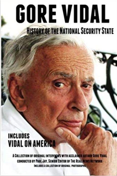 Publié en 2014, ce livre est un recueil de conversations entre un journaliste politique, Paul...