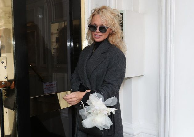 Pamela Anderson Brands UK 'America's Bitch' In Rant About Julian Assange's