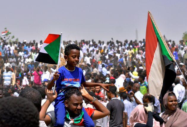 Soudan: Le président Omar el-Béchir destitué par