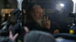 Las imágenes de la detención de Julian Assange en Londres