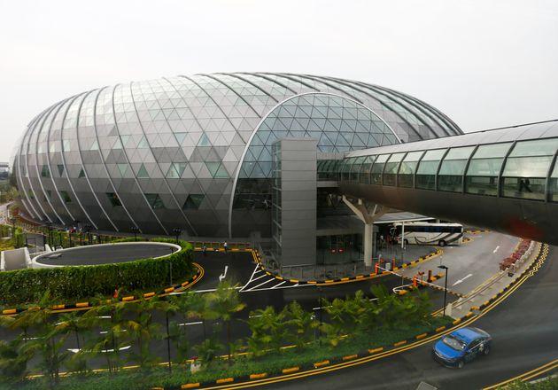 Εγκαίνια μυθικού εμπορικού κέντρου αξίας 1 δισ. στο αεροδρόμιο της