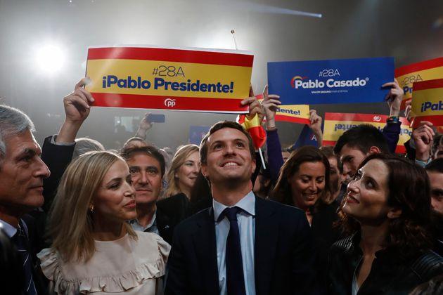 Casado pide a los exvotantes del PP no jugar a la
