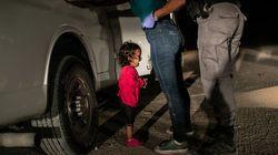 «Φωτογραφία της χρονιάς» το κοριτσάκι που έκλαιγε στα αμερικανικά σύνορα με το