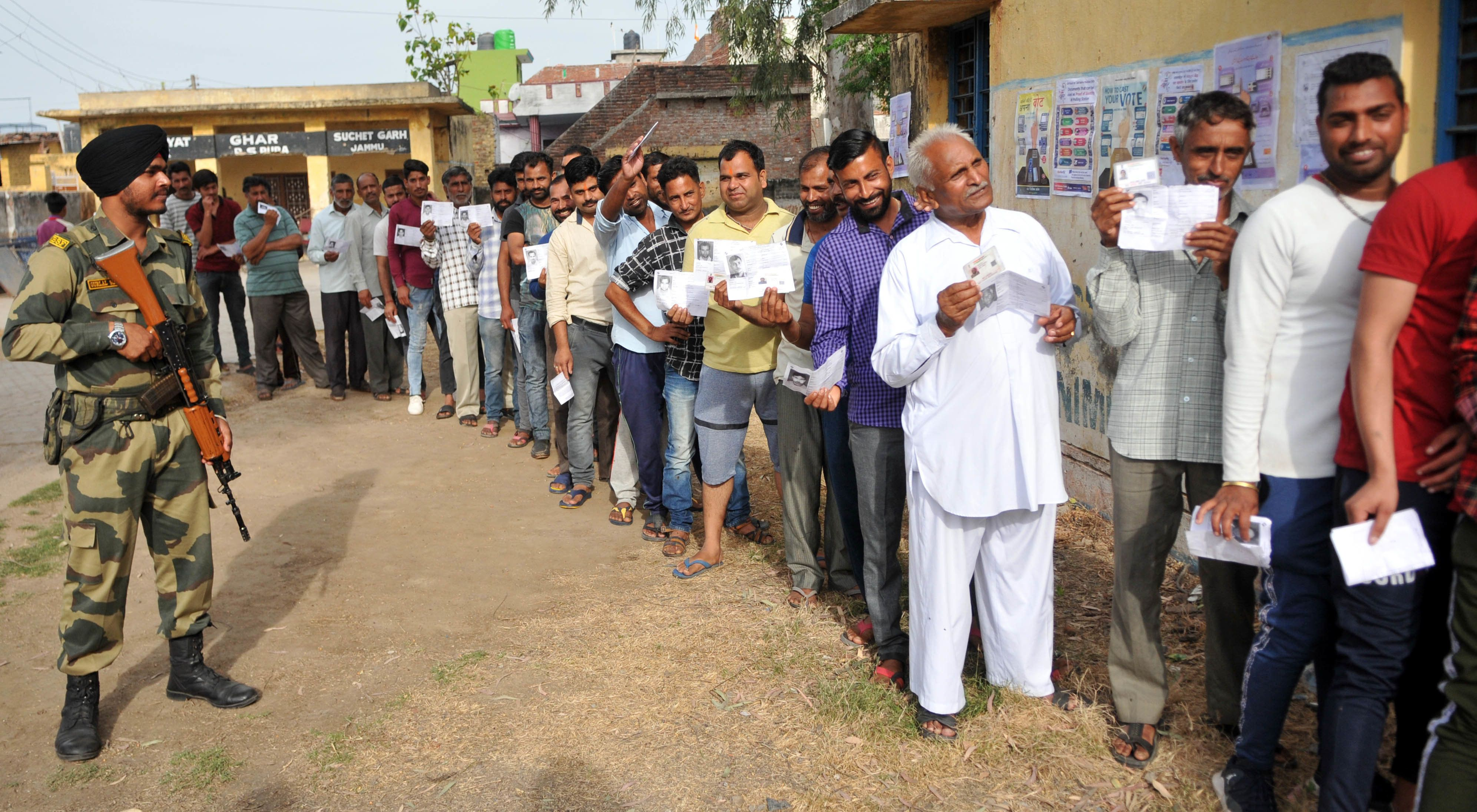 Kashmir Shia Muslims Conflicted About Elections As BJP Courts Their