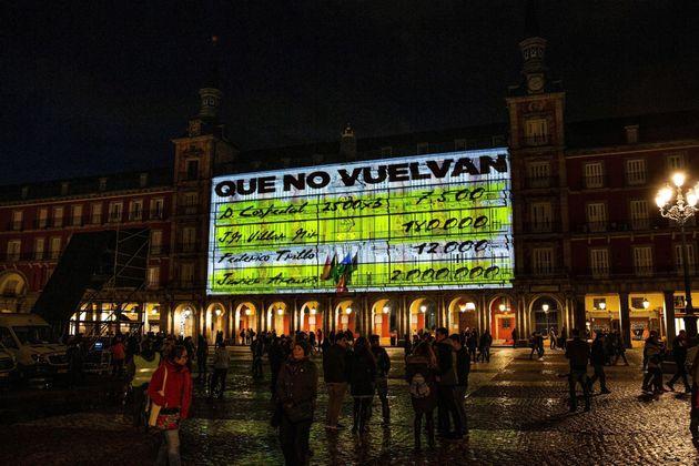 Sancionan al Ayuntamiento de Madrid y Podemos por la proyección de los 'papeles de