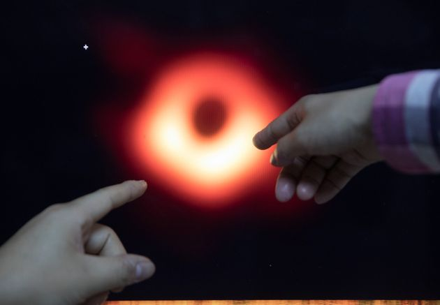 Le trou noir supermassif porte désormais un nom, Powehi (Photo prise le 9 avril 2019 en