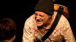 Βρετανία: Stand up κωμικός πέθανε στη σκηνή και το κοινό δεν το