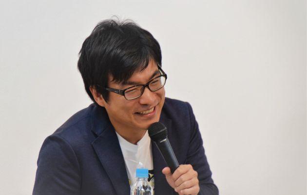 秋本治さんの担当編集を務める井坂尊さん。秋本さんの取材力に舌を巻いたエピソードを語った。