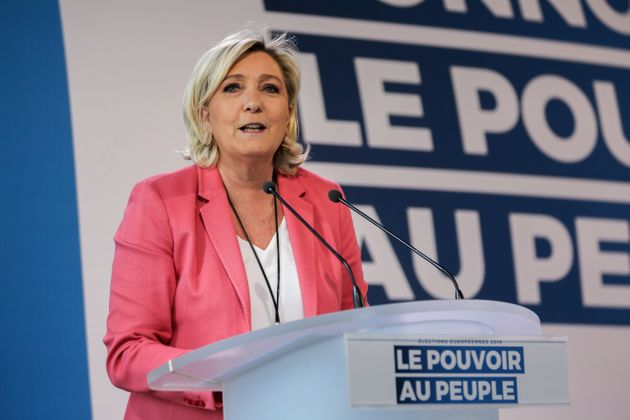 Marine Le Pen lors d'un meeting à Mormant (Seine-et-Marne) le 31 mars