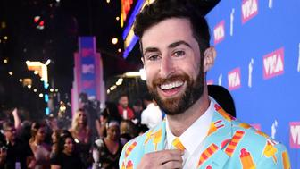 Scott Rogowsky arrives at the MTV Video Music Awards at Radio City Music Hall on Monday, Aug. 20, 2018, in New York. (Photo by Charles Sykes/Invision/AP)