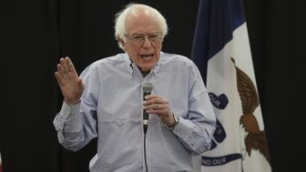 MUSCATINE, IOWA - APRIL 06: Democratic Presidential candidate, U.S. Sen. Bernie Sanders (I-VT) hosts a town hall meeting on April 06, 2019 in Muscatine, Iowa. The event is the first of three campaign events Sanders, who is seeking the Democratic nomination for president, is scheduled to attend in the state today.  (Photo by Scott Olson/Getty Images)