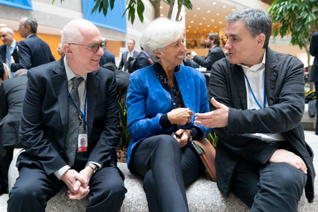 Κινήσεις για συμφωνία πρόωρης αποπληρωμής των δανείων του ΔΝΤ: Ποιοι συμφωνούν, ποιοι