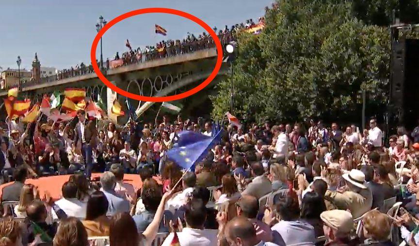 Interrumpen el mitin de Albert Rivera en Sevilla al grito de