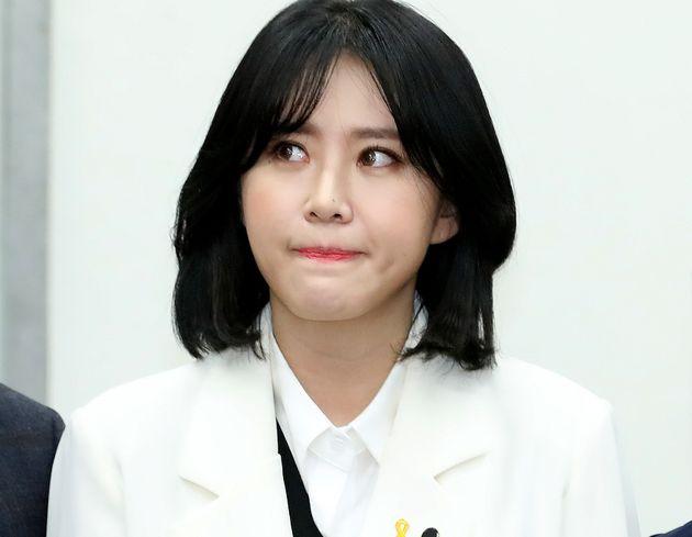 '장자연 사건 증인' 윤지오가 전직 조선일보 기자 조희천의 '진술 조작'에 대해
