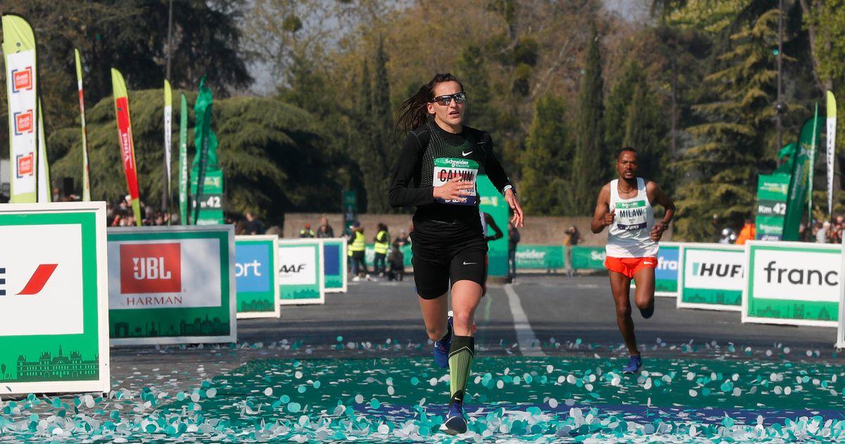 Clémence Calvin bat le record de France du marathon à Paris