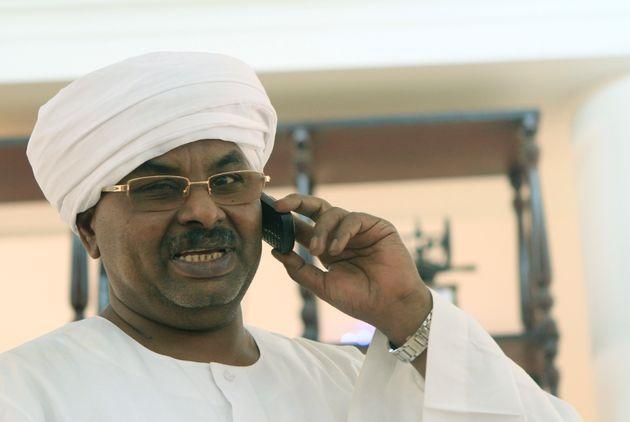 바시르 정권에서 악명을 떨쳤던국가정보안보원(NISS)의 수장 살라 압달라 무함마드