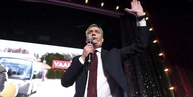 Los socialdemócratas ganan por la mínima a la ultraderecha en