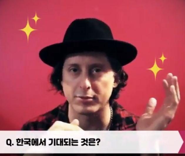 첫 내한하는 리버틴스의 '칼 바렛'이 한국에 보낸 메시지 :