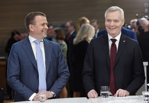 중도우파 국민연합당 대표 페테리 오르포(왼쪽)와 핀란드 사회민주당 대표 안티
