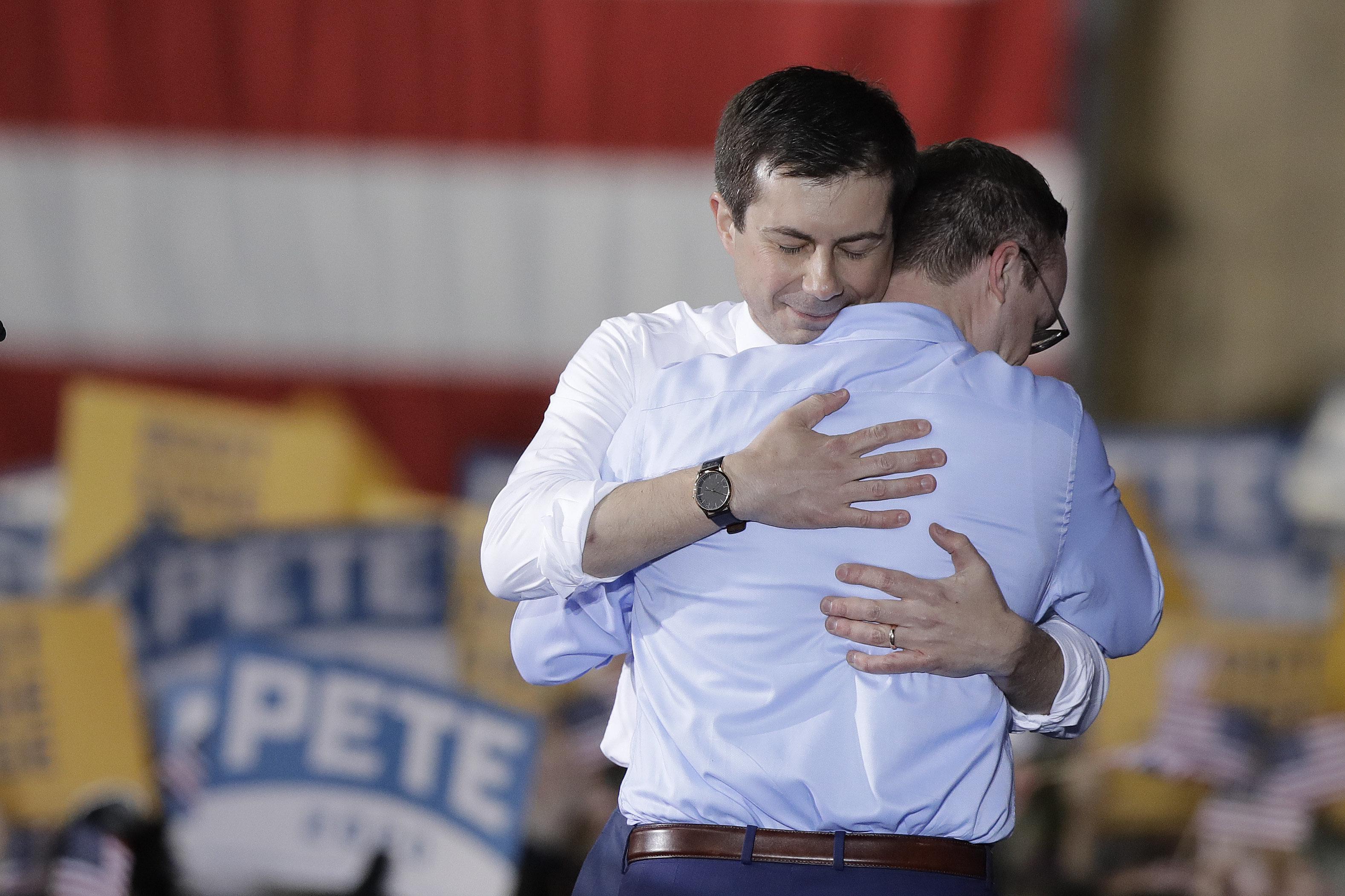 Joven, alcalde, exmilitar, gay: Pete Buttigieg, el demócrata que reclama un relevo generacional para derrotar a