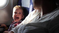 もし赤ちゃんが飛行機でグズったら…客室乗務員の機転で機内みんなが赤ちゃんのファンに