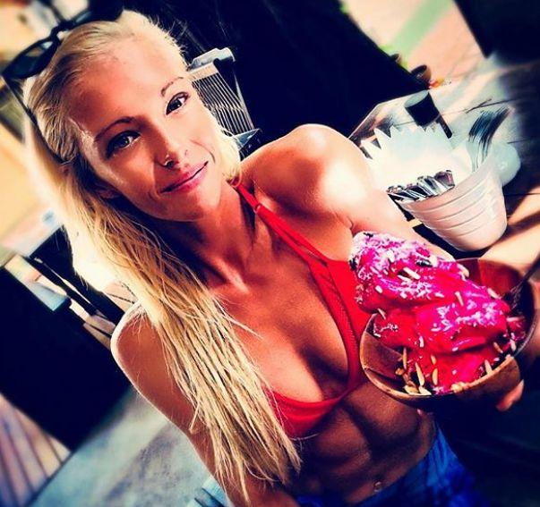 25χρονη δημοφιλής instagrammer υπέστη εγκεφαλική μόλυνση και παραμένει εγκλωβισμένη στην