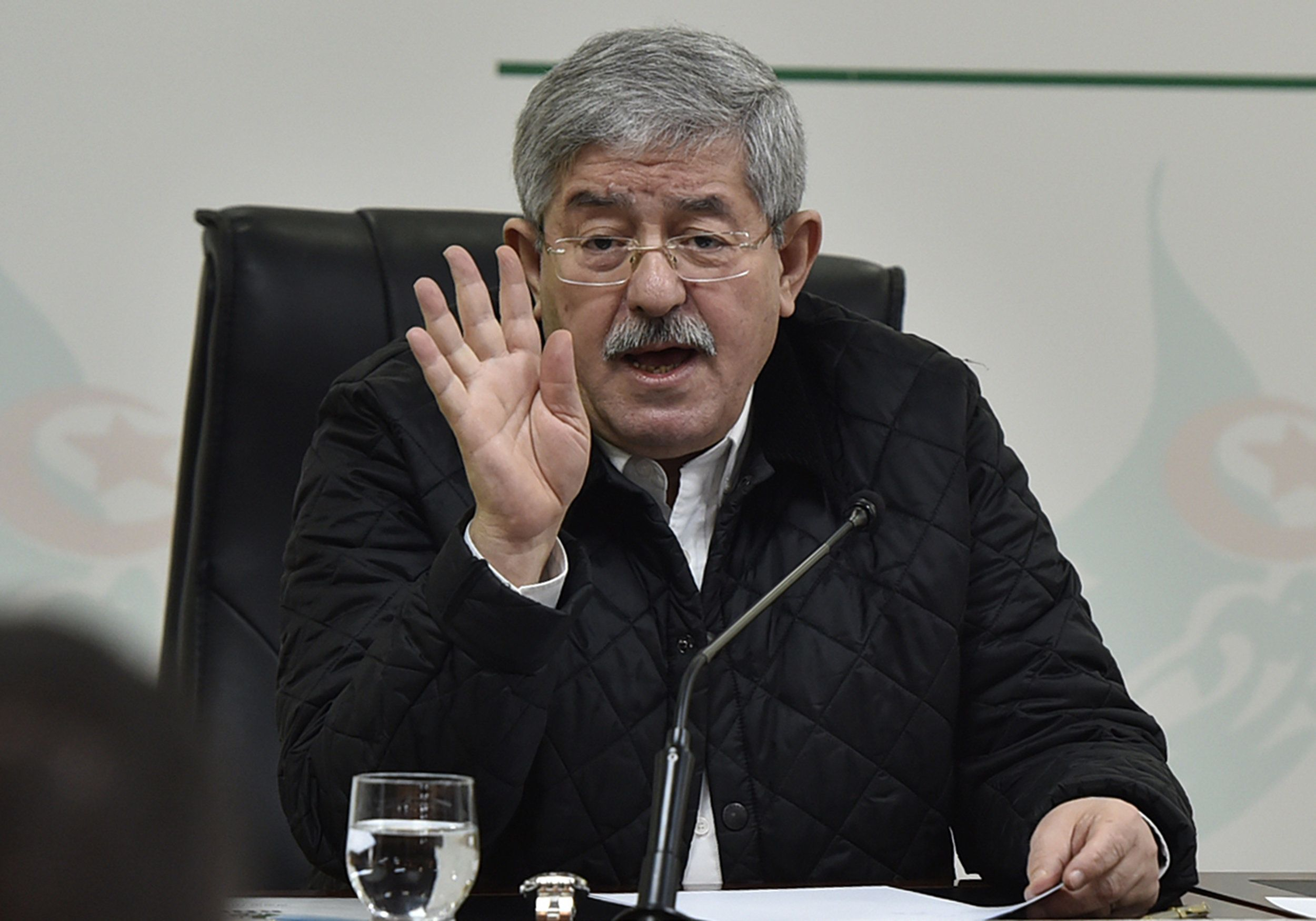 Crise au RND: Ouyahia garde le soutien du Conseil
