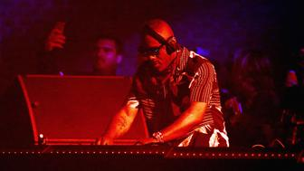 INDIO, CA - APRIL 13:  Idris Elba performs at Yuma Tent during the 2019 Coachella Valley Music And Arts Festival on April 13, 2019 in Indio, California.  (Photo by Rich Fury/Getty Images for Coachella)