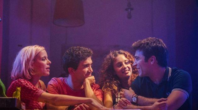 '¿A quién te llevarías a una isla desierta?' (Netflix): la película que saca los colores a la generación