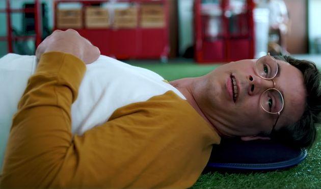 'Special': 8 motivos para assistir à série de Ryan O'Connell na