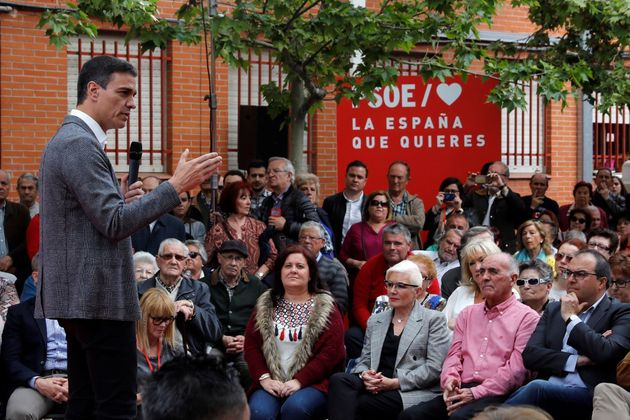 El PSOE propone más autogobierno para Cataluña y se opone a la independencia y un 155